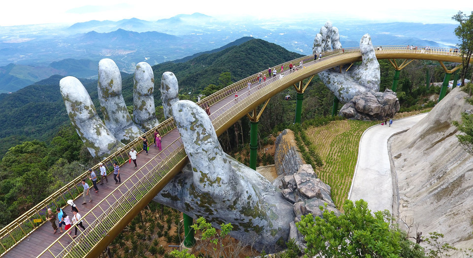 cau-vang-golden-bridge-ba-na-hills