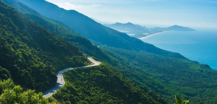 transfer to hai van lang co 730x350 - HAI VAN PASS - LANG CO TOUR BY PRIVATE CAR